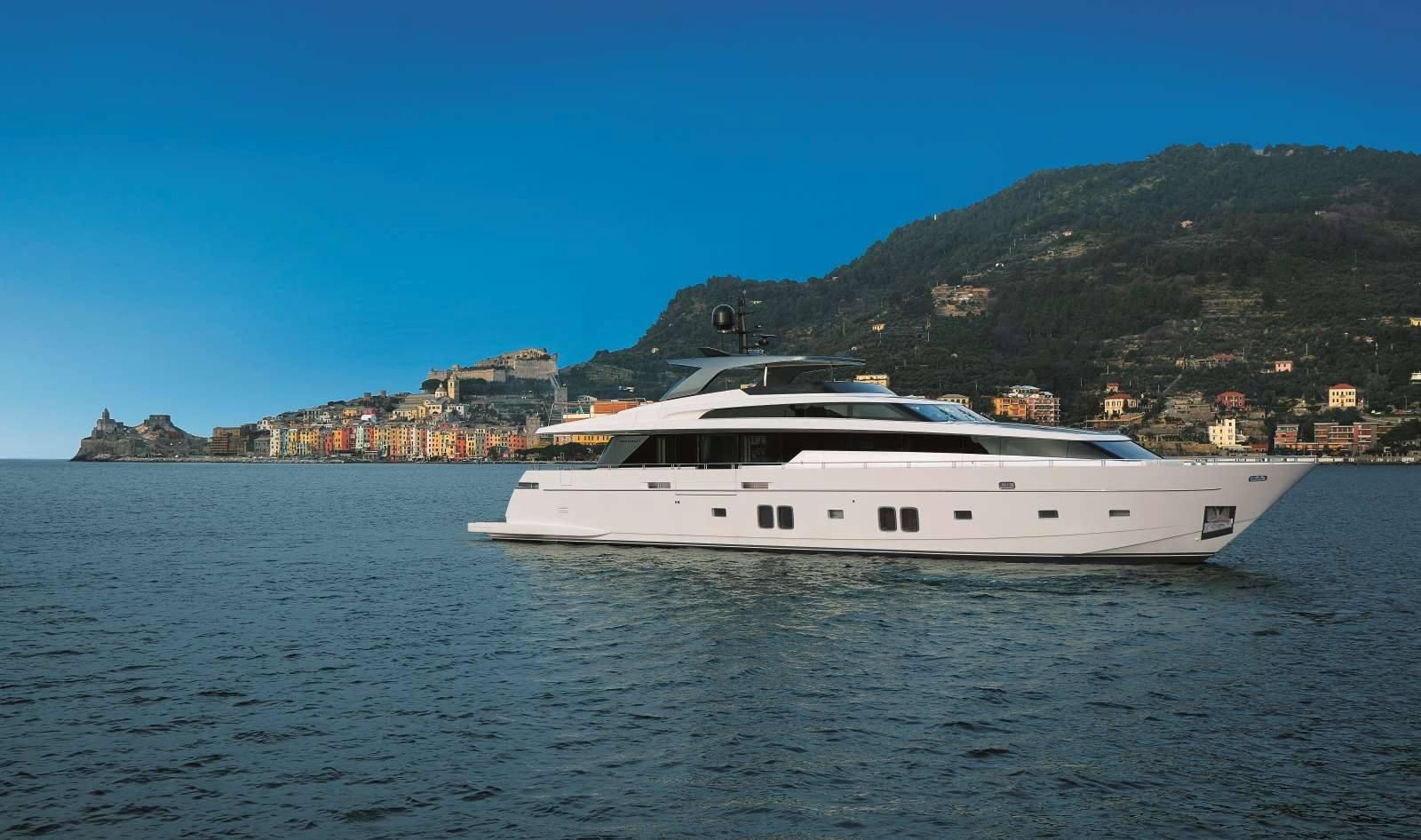 Arredamento su misura per yachts la permanente mobili for Arredamento yacht